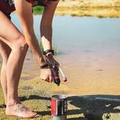 Randonnée et nuit au Semnoz avant de rejoindre Albertville demain pour le Salon Next Summer! On profite pour tester le trailshot @msr_gear pour purifier l'eau…on s'enfonce à tour de rôle au bord de la marre et nous finissons par utiliser nos réserves d'eau pour chauffer nos repas lyophilisés @realturmat avec le windburner @msr_gear ! 😂 Mes nouvelles Explorer @lowa.outdoor ont pris cher…#promenonsnous_shop #randonnée #vanlife #savoie #msr #vanlifefrance #vanlifer #bivouac #bushcraft #trek #survival #metz #metzfrance #montagne #trail #outtrip #roadtripfrance #outdoor #outdoorfun