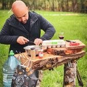 Pour les gourmands le chef vous propose une sauce bolognaise cuite au feu de bois ... #metz #metzville #randonnée #camping #bivouac #outdoor #cooking #feu #vanlife #cocooning #bushcraft #bushcrafting #trip #travel #van #barbecue #trekking #marmite #petromax #promenonsnous #promenonsnous_shop #barbecue #barbecuetime #bbq #bbqlovers #bbqtime #outtrip #randonnée #foret #nature #bushcraftkids