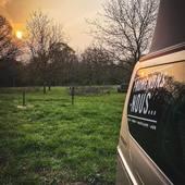 Se réveiller dans la nature, ça n'a pas de prix...on est en train de regarder pour vous prévoir quelques activités en extérieur à partir du 2 mai en attendant la réouverture ! #metz #metzville #randonnée #camping #bivouac #outdoor #cooking #conceptstore #feu #vanlife #cocooning #bushcraft #bushcrafting #trip #travel #van #barbecue #trekking #marmite #petromax #promenonsnous #promenonsnous_shop #barbecue #barbecuetime #bbq #bbqlovers #bbqtime #outtrip #randonnée #foret #nature